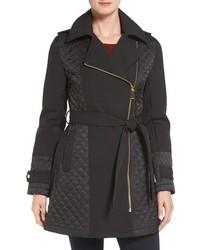 schwarzer gesteppter Mantel