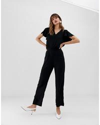 schwarzer Jumpsuit mit Rüschen von Vero Moda