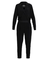 schwarzer Jumpsuit von Vila