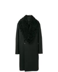 schwarzer Mantel mit einem Pelzkragen von Emporio Armani
