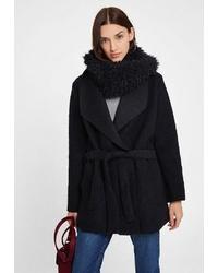 schwarzer Mantel von OXXO