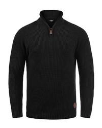 schwarzer Pullover mit einem Reißverschluss am Kragen von Solid