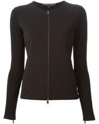 schwarzer Pullover mit einem Reißverschluß