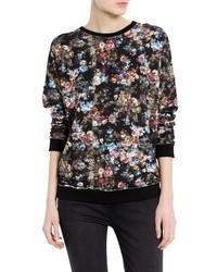 schwarzer Pullover mit einem Rundhalsausschnitt mit Blumenmuster