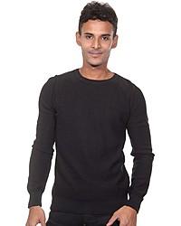 schwarzer Pullover mit einem Rundhalsausschnitt von FIOCEO