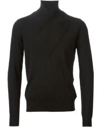 schwarzer Pullover mit einem Schalkragen