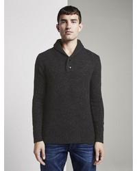 schwarzer Pullover mit einem Schalkragen von Tom Tailor