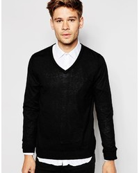 schwarzer Pullover mit einem V-Ausschnitt von Esprit