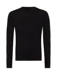 schwarzer Pullover mit einem V-Ausschnitt von Falke