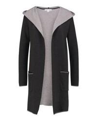 schwarzer Pullover mit einer Kapuze von Comma