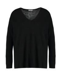 schwarzer Pullover mit einem V-Ausschnitt von Jdy