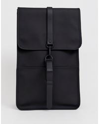 schwarzer Rucksack von Rains