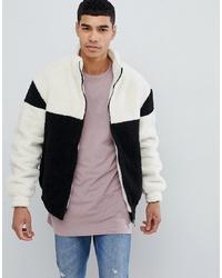 schwarzer und weißer Fleece-Pullover mit einem Reißverschluß