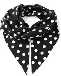 schwarzer und weißer gepunkteter Schal