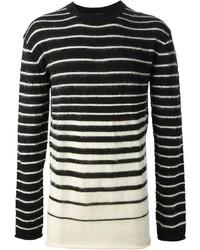 schwarzer und weißer horizontal gestreifter Pullover mit einem Rundhalsausschnitt