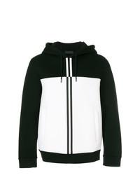 schwarzer und weißer Pullover mit einem Kapuze