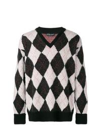 schwarzer und weißer Pullover mit einem V-Ausschnitt mit Argyle-Muster von Alexander McQueen