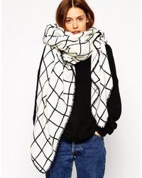 schwarzer und weißer Schal mit Karomuster von Asos