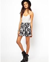 schwarzer und weißer Skaterrock mit Blumenmuster von Glamorous