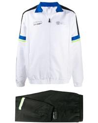 schwarzer und weißer Trainingsanzug