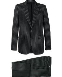 schwarzer und weißer vertikal gestreifter Anzug