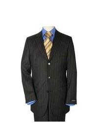 schwarzer vertikal gestreifter Anzug