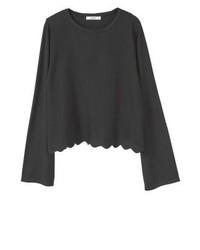 schwarzer vertikal gestreifter Pullover mit einem Rundhalsausschnitt von Mango