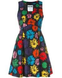 schwarzes ausgestelltes Kleid mit Blumenmuster von Moschino