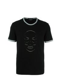 schwarzes besticktes T-Shirt mit einem Rundhalsausschnitt