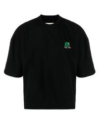 schwarzes besticktes T-Shirt mit einem Rundhalsausschnitt von Henrik Vibskov