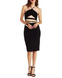 schwarzes figurbetontes Kleid mit Ausschnitten