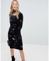 schwarzes figurbetontes Kleid mit Blumenmuster von Vila