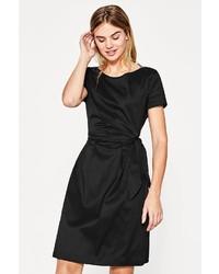 schwarzes gerade geschnittenes Kleid aus Satin von Esprit