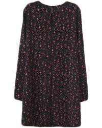 schwarzes gerade geschnittenes Kleid mit Blumenmuster
