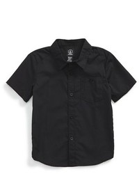 schwarzes Kurzarmhemd