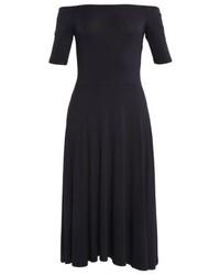 schwarzes schulterfreies Kleid von Vila