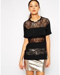 schwarzes Spitze T-Shirt mit einem Rundhalsausschnitt