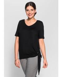 schwarzes T-Shirt mit einem Rundhalsausschnitt von SHEEGO CLASS