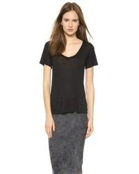 schwarzes T-Shirt mit einem V-Ausschnitt von AG Jeans