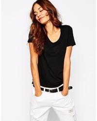 schwarzes T-Shirt mit einem V-Ausschnitt von Vila