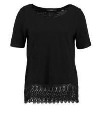 schwarzes T-Shirt mit einem Rundhalsausschnitt von s.Oliver