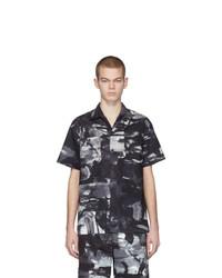 schwarzes und weißes bedrucktes Kurzarmhemd von Moschino