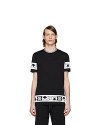 schwarzes und weißes bedrucktes T-Shirt mit einem Rundhalsausschnitt von Dolce and Gabbana