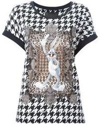 schwarzes und weißes T-shirt