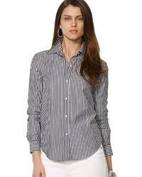 schwarzes und weißes vertikal gestreiftes Businesshemd