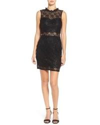 schwarzes verziertes Spitze figurbetontes Kleid