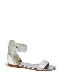 silberne flache Sandalen aus Leder