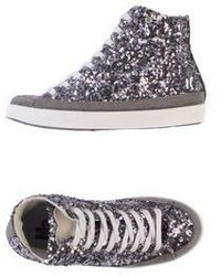 silberne hohe Sneakers