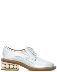silberne Leder Derby Schuhe von Nicholas Kirkwood