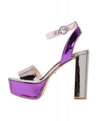 Silberne Leder Sandaletten von Carvela